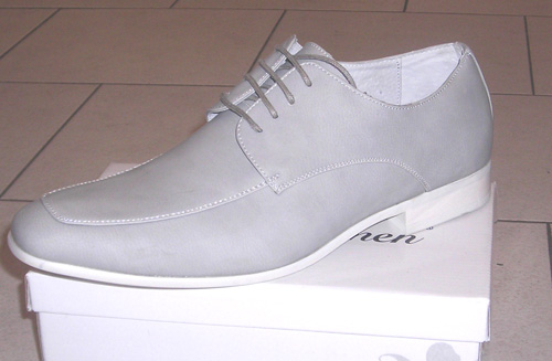 Chaussures gris clair