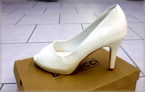 Chaussures blanches pailletées TA16