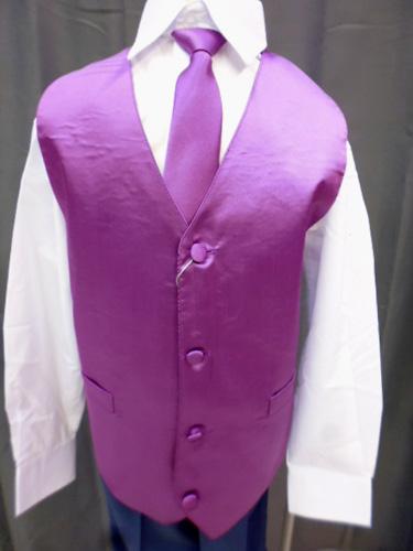 Gilet et cravate violet