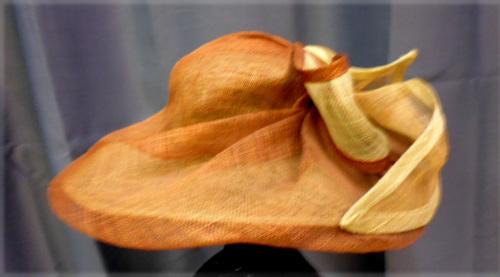 Grand chapeau bicolore