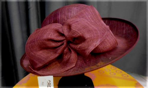 Chapeau bordeaux