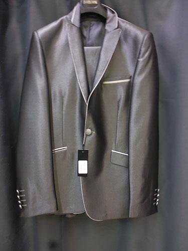 Costume B1 gris foncé satiné deux pièces