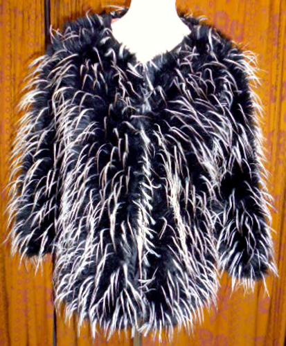 Manteau plume-noir-blanc