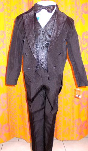 Costume à queue de pie noir